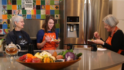 patient education video featuring nutrition experts tasting healthy food in bright kitchen 400x225 Patient Education Video %page